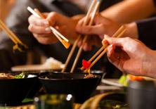 restaurant-shutterstock_102940892