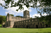 fountains-abbey-4601317682_112147181e_b